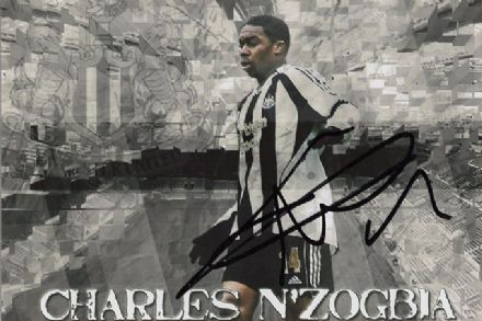 Charles N'Zogbia, Newcastle Utd & France, signed 6x4 inch photo.